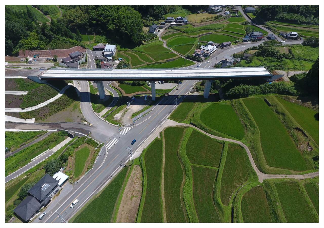 九州横断道(嘉島~山都)北中島橋床版工工事 竣工写真①.jpg