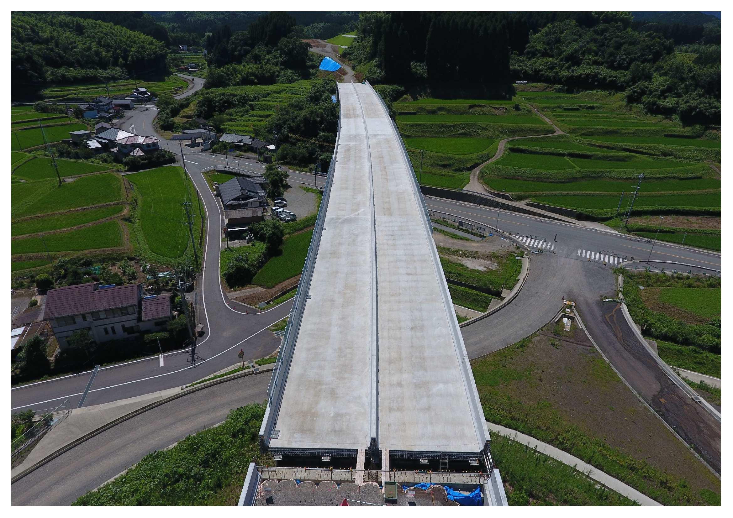 九州横断道(嘉島~山都)北中島橋床版工工事 竣工写真②.jpg